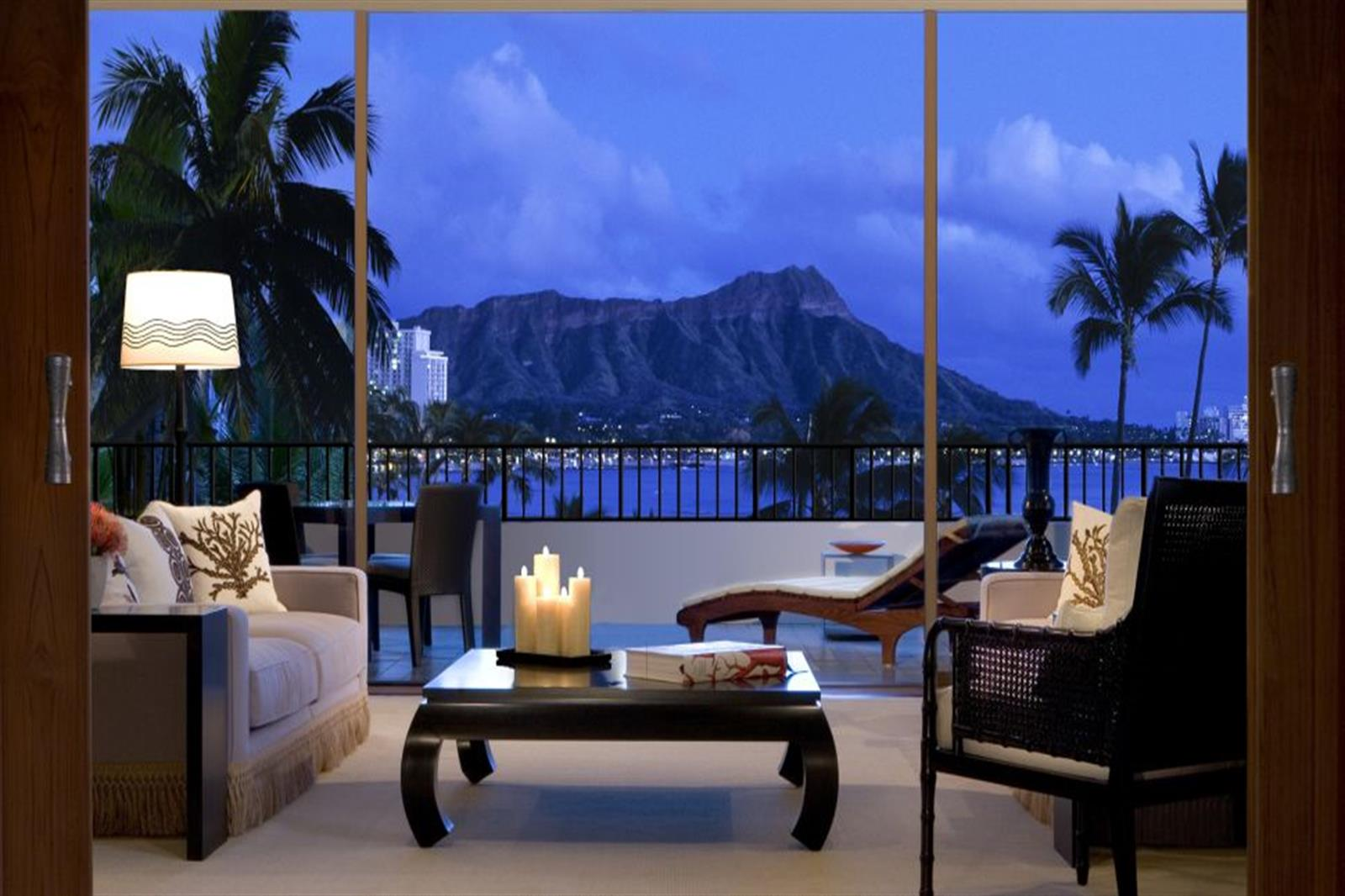 Top Luxury Hotels in America - Halekulani - Waikiki, HI - hi oahu, waikiki, halekulani suite, best hotels in hawaii Top Luxury Hotels in America Top Luxury Hotels in America for the Perfect End of Summer Getaway Halekulani Waikiki HI