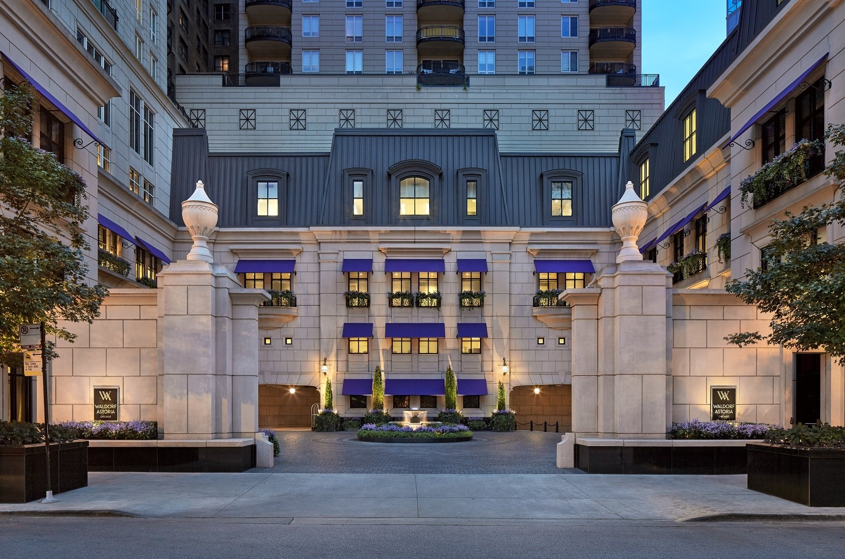 Top Luxury Hotels in America - Waldorf Astoria - Chicago, IL - best hotels in chicago - luxury hotels chicago Top Luxury Hotels in America Top Luxury Hotels in America for the Perfect End of Summer Getaway Waldorf Astoria Chicago IL