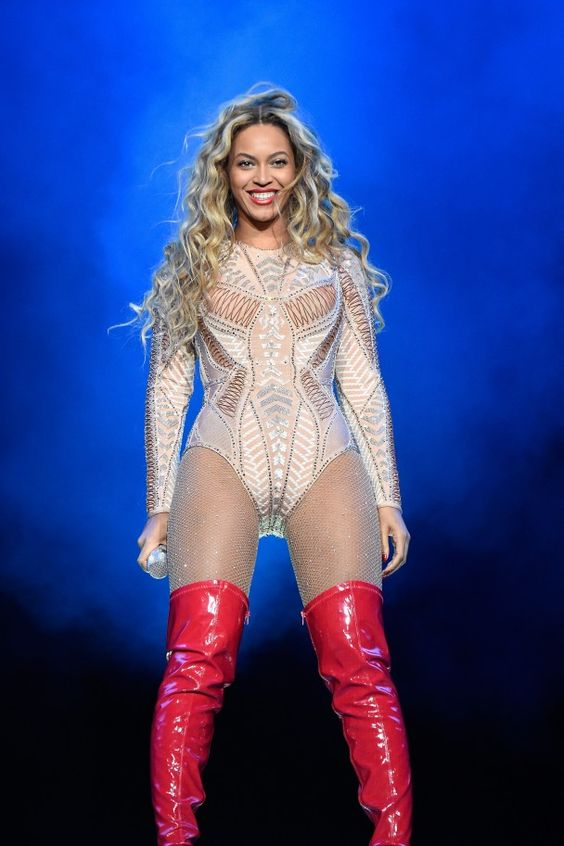 Beyonce in Hervé Léger onstage at the 2015 Budweiser Made in America Festival
