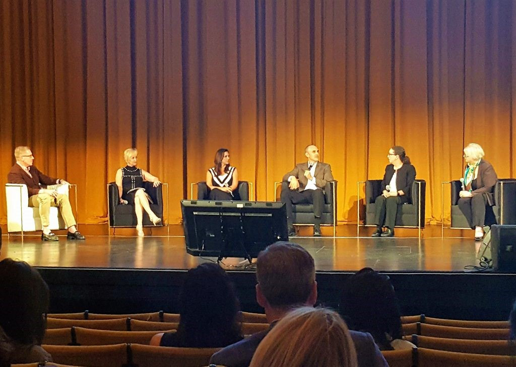 From left to right: Moderator James Swan, with guest panelists Cathy Kegley, Keri Murphy, Ken Lewis, Lori Dolnik and Leslie Carothers. Photography by Deborah Main. Sexy Chair. BOLD Summit 2017. KOKET Desire Chairs.