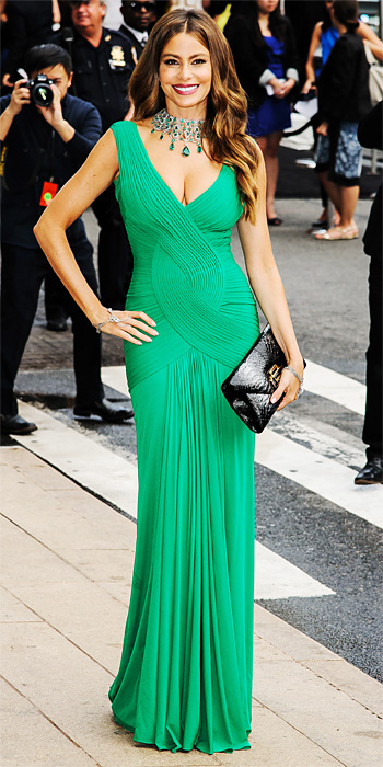 iconic images of Herve Leger - Sofia Vergara - green dress by herve leger - green bandage dress