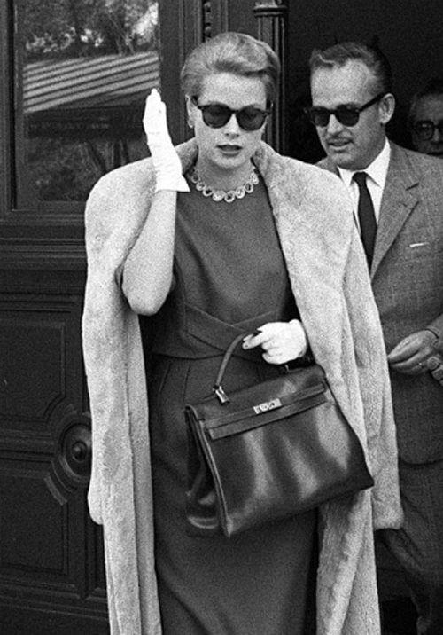 Fashion Inspiration - Grace Kelly - fashion icons - 60s fashion - winter outfits - grace kelly gloves - princess of monaco - style icon