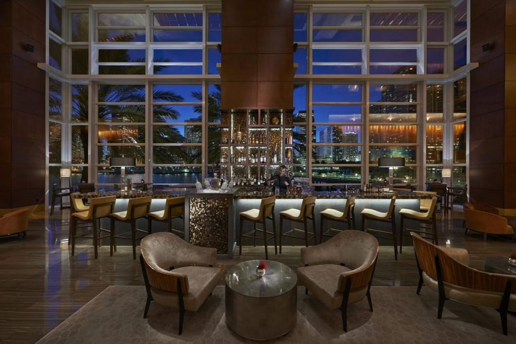 The Most Luxurious Places to Stay in Miami for Art Basel - The Mandarin Oriental Miami - MO Bar + Lounge - Miami Hotels - Top hotels in miami - top bars in miami - miami luxury hotels