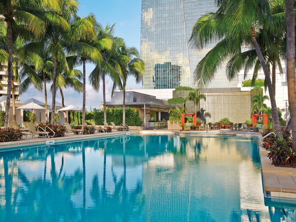 The Most Luxurious Places to Stay in Miami for Art Basel - Four Seasons Hotel Miami - Top hotels in Miami - Miami Hotels - miami luxury hotels