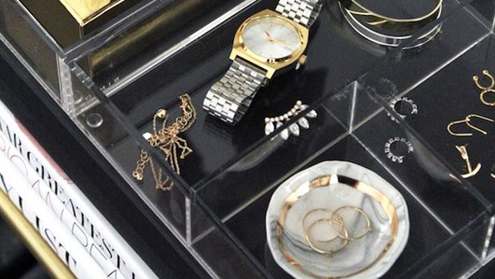 5 Tips for Organizing and Storing Jewelry - Image from Le Fashion - Jewelry storage ideas - jewelry displays - wall jewelry organizers - jewelry boxes - jewelry drawer trays