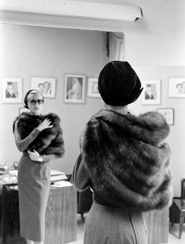 Fashion Inspiration - Grace Kelly - fashion icons - 60s fashion - winter outfits - grace kelly gloves - princess of monaco - gracy kelly photo by lisa larsen