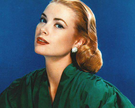 Fashion Inspiration - Grace Kelly - fashion icons - 60s fashion - winter outfits - grace kelly gloves - princess of monaco - gracy kelly portrait