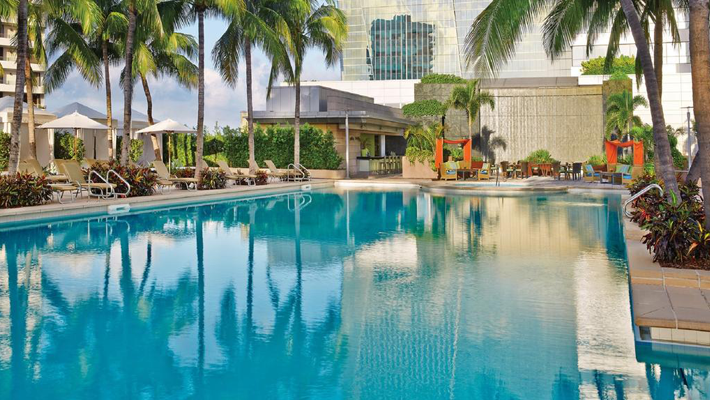 The Most Luxurious Places to Stay in Miami for Art Basel - Four Seasons Hotel Miami - Top hotels in Miami - Miami Hotels - miami luxury hotels - miami beach hotels - airbnb miami beach