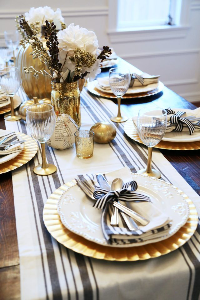 Luxurious thanksgiving tablescapes love happens blog for Elegant table setting for thanksgiving