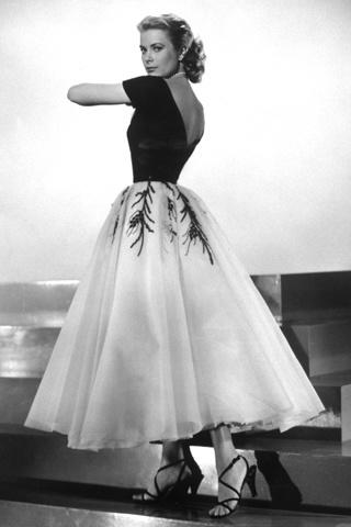 Fashion Inspiration - Grace Kelly - fashion icons - 60s fashion - winter outfits - grace kelly gloves - princess of monaco - gracy kelly party dress
