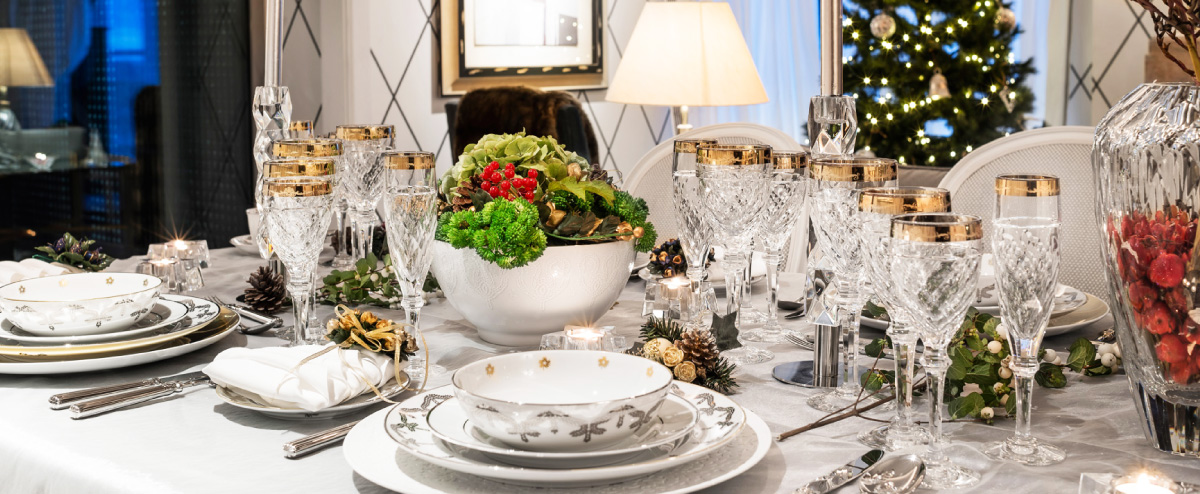 Christmas Dinner Party Ideas Part - 40: Table Decorating Ideas - Silver U0026 White - Christmas Table Settings -  Holiday Dinner Party -