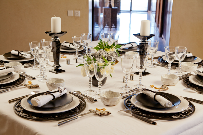 Black And White Table Decorating Ideas   Black And White Table Settings Table  Decorating Ideas Table
