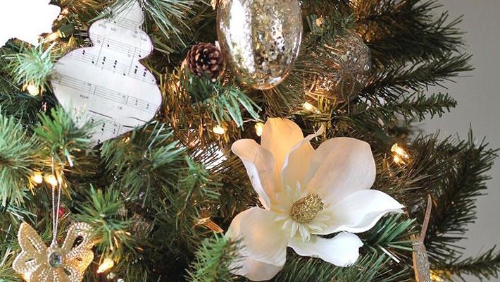 12 Elegant Christmas Tree Ideas