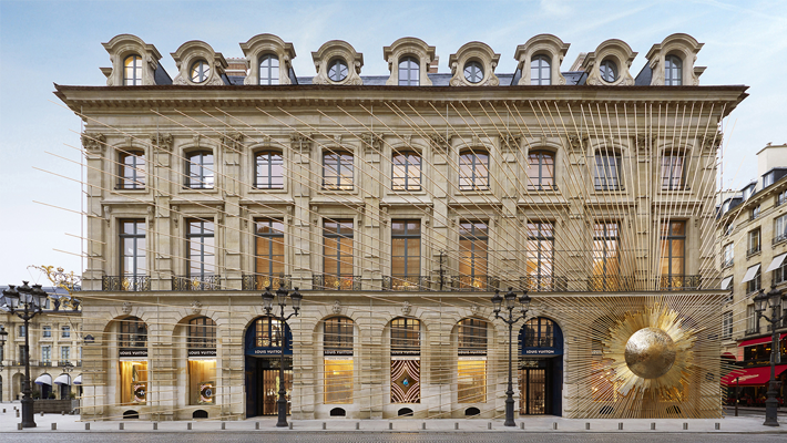Famous Architects - Peter Marino - Maison Louis Vuitton Vendome - Photo by Stéphane Muratet - Place Vendome - Paris - Luxury shopping in paris - most beautiful stores - retail design - top interior designers