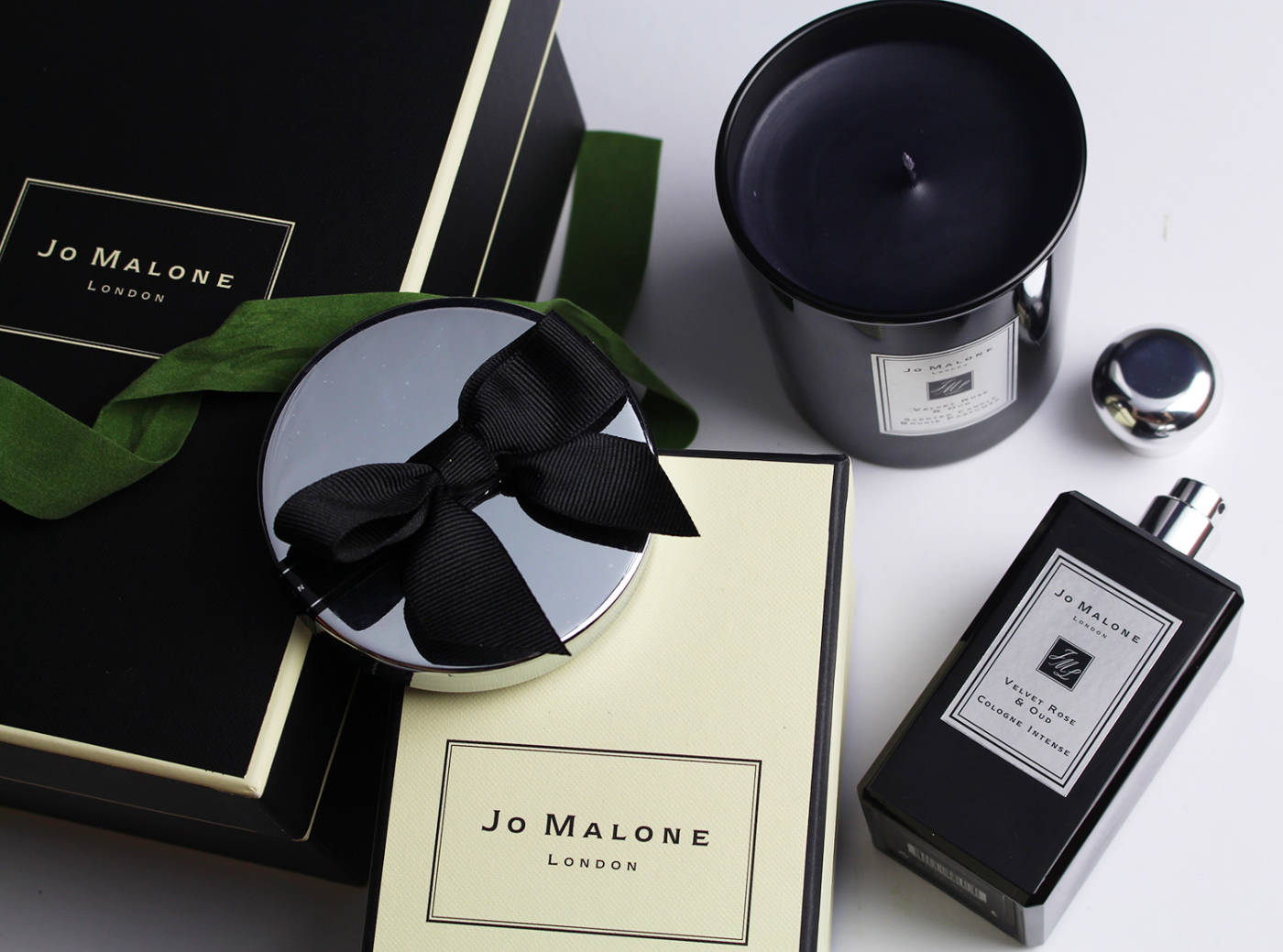 christmas gift guide - jo malone - jo malone perfume - fine fragrance - jo malone velvet & rose oud - velvet perfume - luxury fragrance