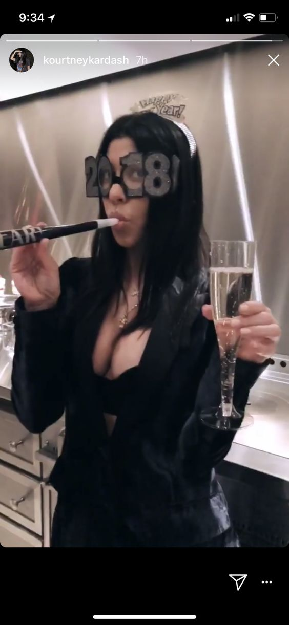 Kourtney Kardashian New Year 2018 Celebration - kardashians