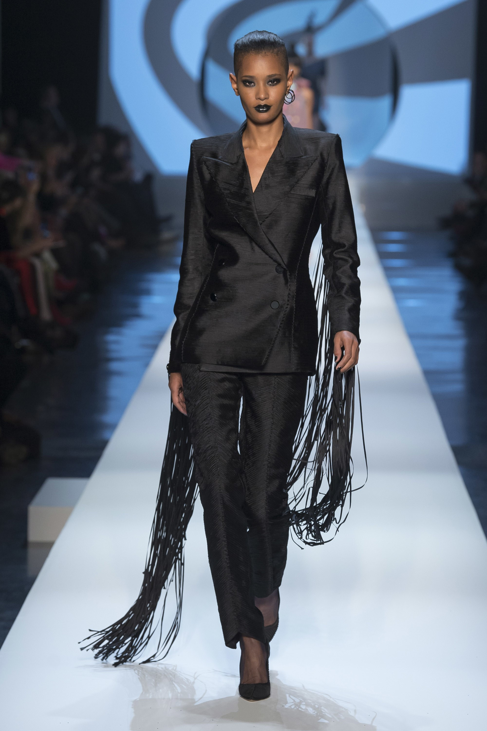 Paris Fashion Week Spring 2018 - Jean Paul Gaultier - Photo Yannis Vlamos Indigital.tv - Model Ysaunny Brito