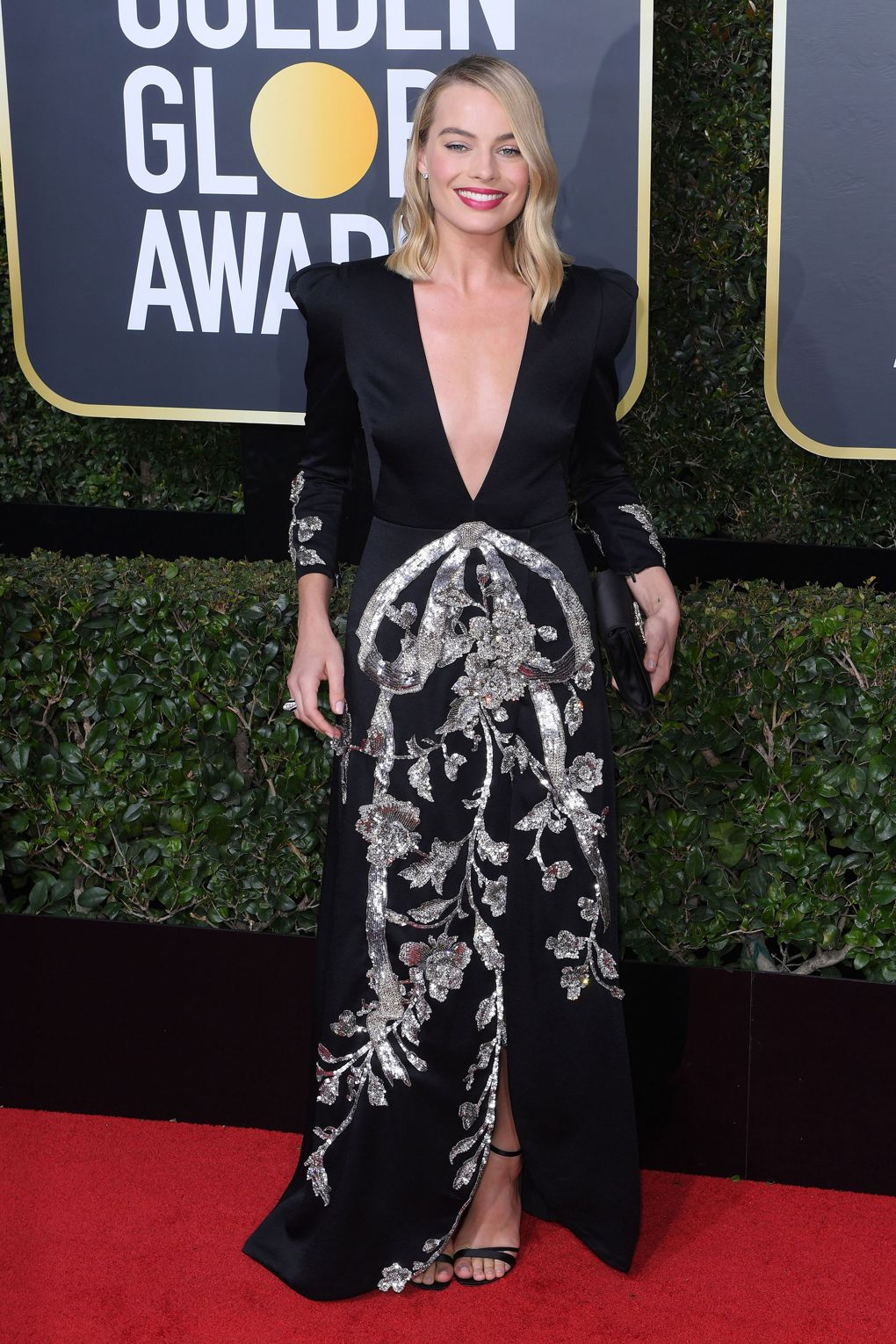 Red carpet 2018 Margot Robbie in Gucci, with Tiffany & Co. jewellery, Roger Vivier sandals and clutch - Photo credit Rex/Shutterstock - women empowerment - black dresses golden globes 2018 - times up