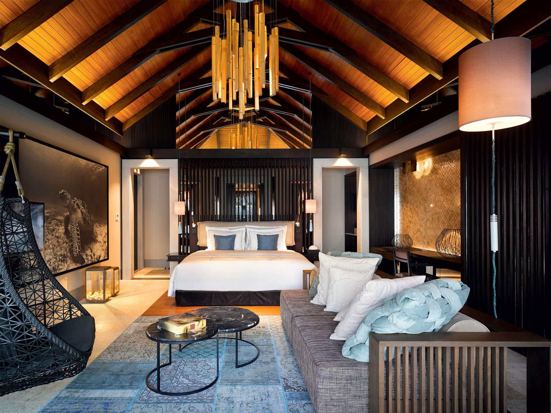 Luxury Escapes 2018 - Velaa Private Island - luxury hotels - private islands - sea turtles