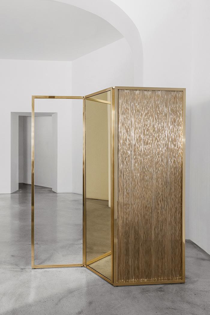 Nomad St. Moritz 2018 - Black Hole Sun Divider, Iosselliani Design, 2017 (Giustini - Stagetti, Galleria O. Roma) - modern design - art events - antique collector events - gold floor screens