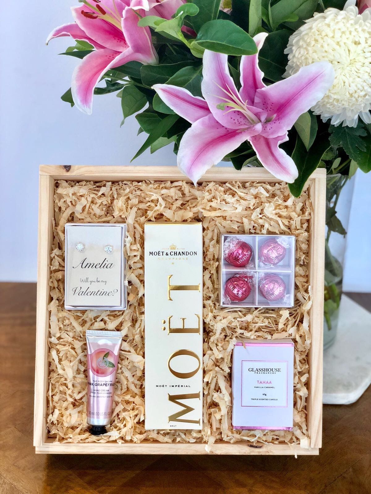 10 Luxurious Valentine S Day Gift Ideas For Her Love Happens Magazine