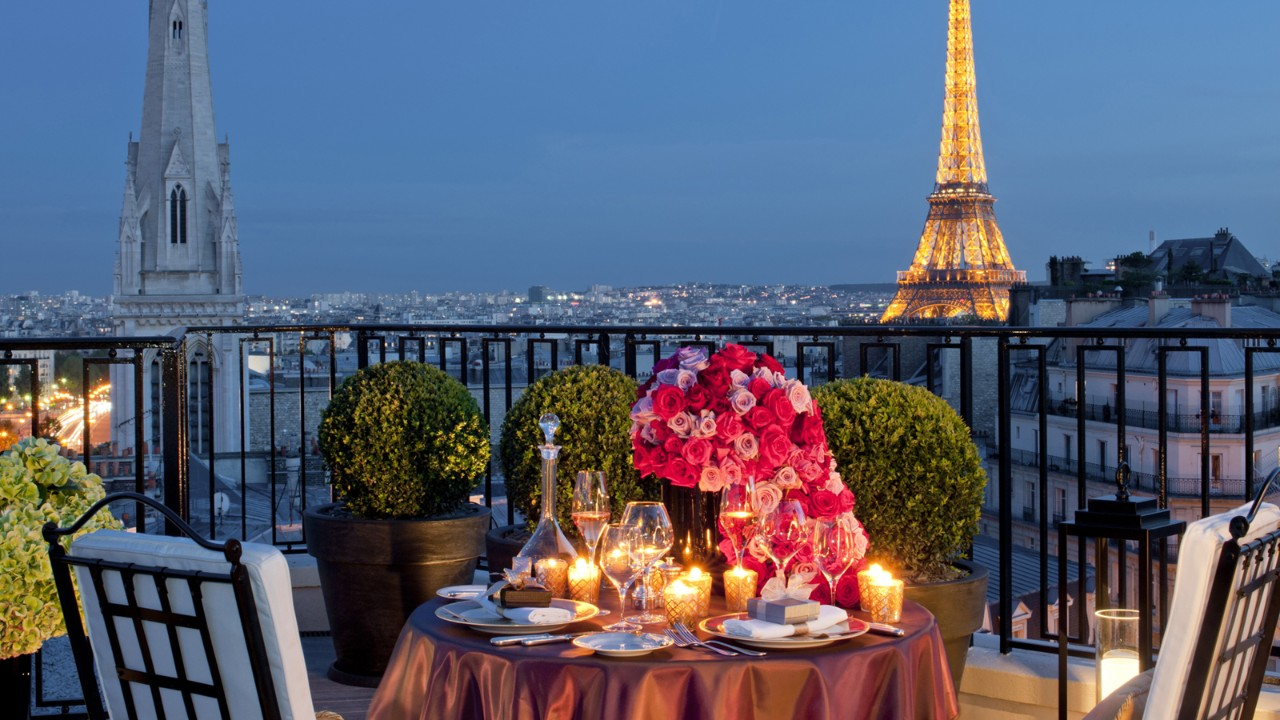Valentines day gift ideas - Four Seasons Hotel George V, Paris romance package - gifts for her