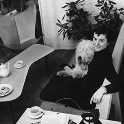 Famous female furniture designers - Famous interior designers - Florence Knoll - famous female architects - famous mid-century designers - women empowerment famous interior designers Leading Ladies of Design: 20 Famous Interior Designers & Architects FLORENCE KNOLL PORTRAITbio