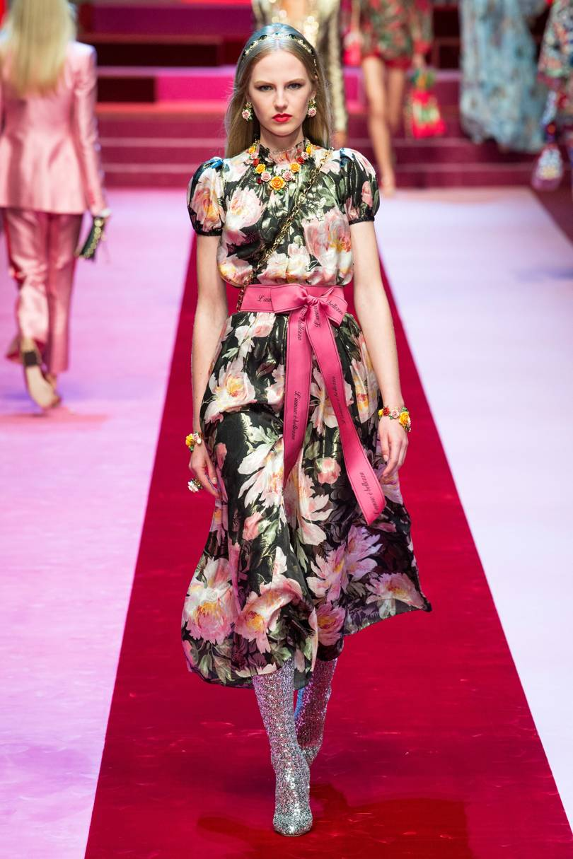 Dolce and Gabbana SS18 - Love Happens via Indigital - floral trend 2018 - fashion trends 2018 - summer fashion trends - summer outfit ideas