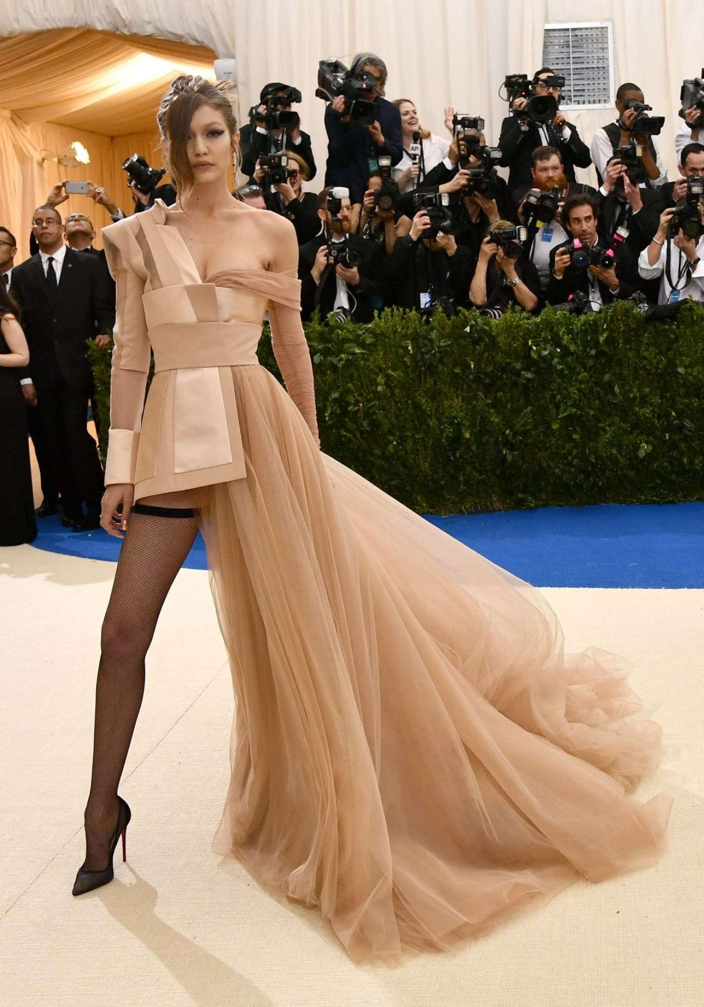 Gigi Hadid, Vogue, Met Gala 2018, The Met Gala 2018, The Met Gala, Met Gala, Metropolitan Museum of Art