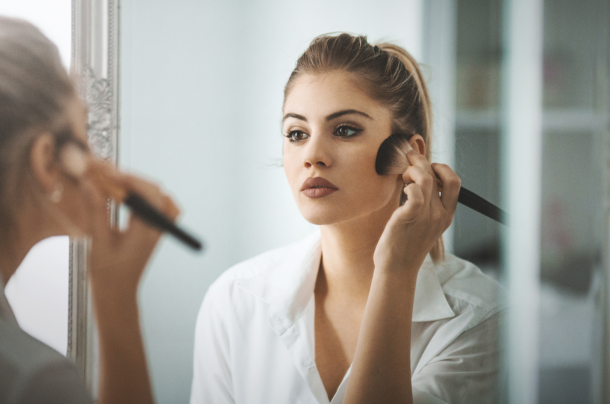Oldies But Goodies - Top Makeup Looks From 20th Century Hollywood Glamour - Morning makeup routine. - beauty tips - makeup ideas - Photo by CoffeeAndMilk via iStock by Getty Images