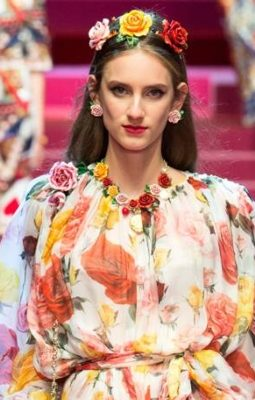 floral trend, floral prints, floral design, floral fashion, high fashion with florals, high fashion floral prints, Dolce & Gabbana