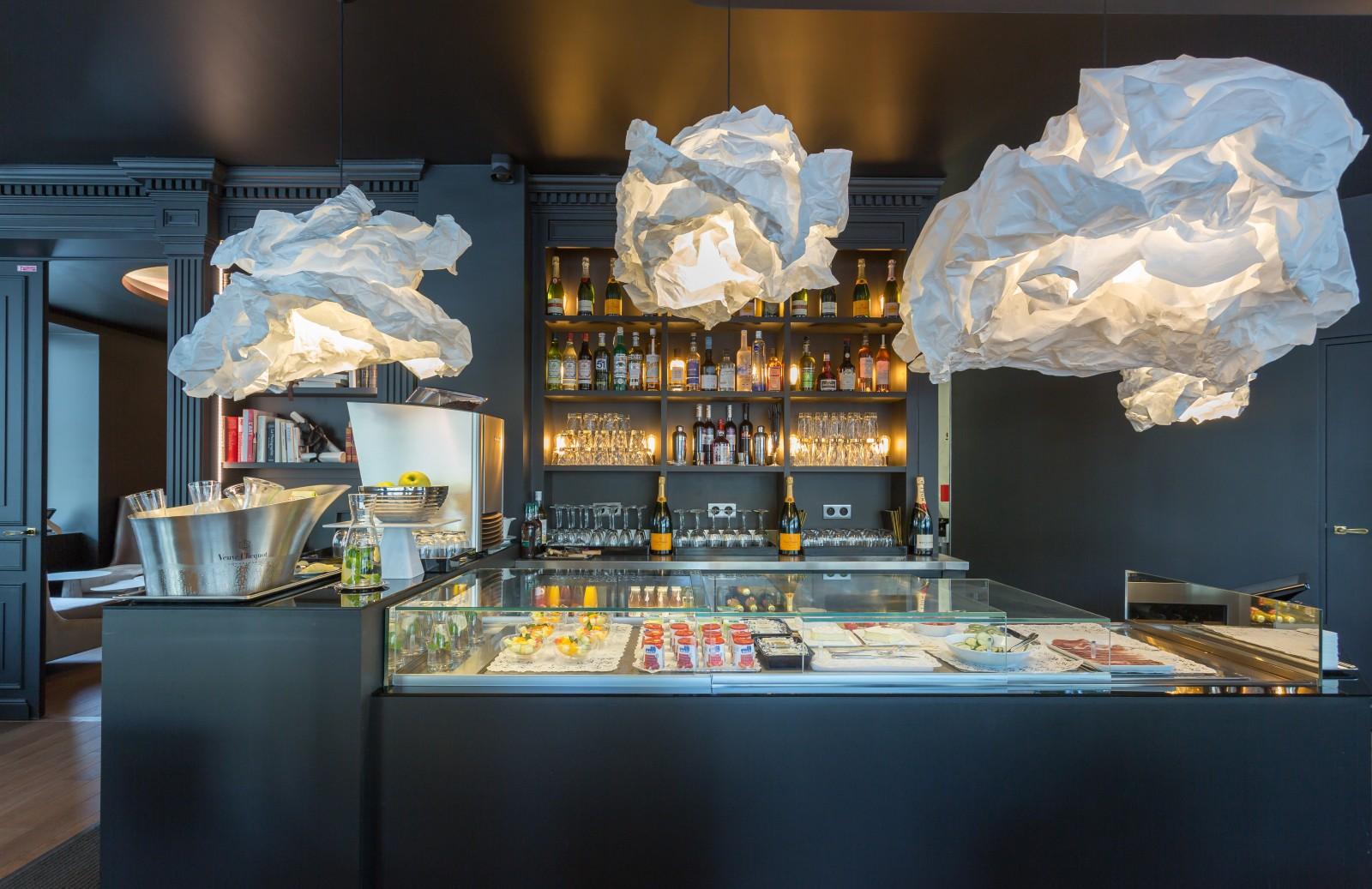 Hotel La Comtesse - Paris Eiffel Tower Hotel - Paris Fashion Week 2018 - best hotels in paris - paris men's - paris haute couture 2018 - hotels near the eiffel tower - boutique hotels paris - la comtesse cafe
