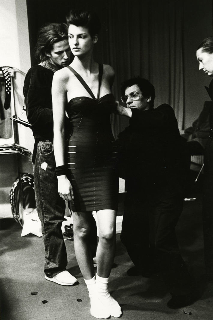 Linda Evangelista and Azzedine Alaïa, 1990. Photography by Sante D'Orazio - Azzedine Alaia - top haute couture designers - famous haute couture designers - famous fashion designers - fashion exhibitions london 2018