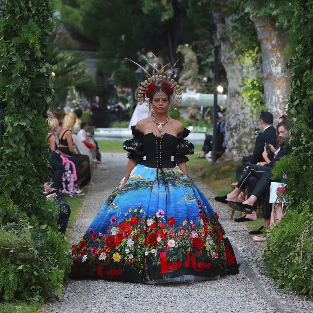 Emma Weymouth walks for the Dolce and Gabbana Alta Moda Fashion Show at Lake Como, July 2018 - via @dolcegabbana