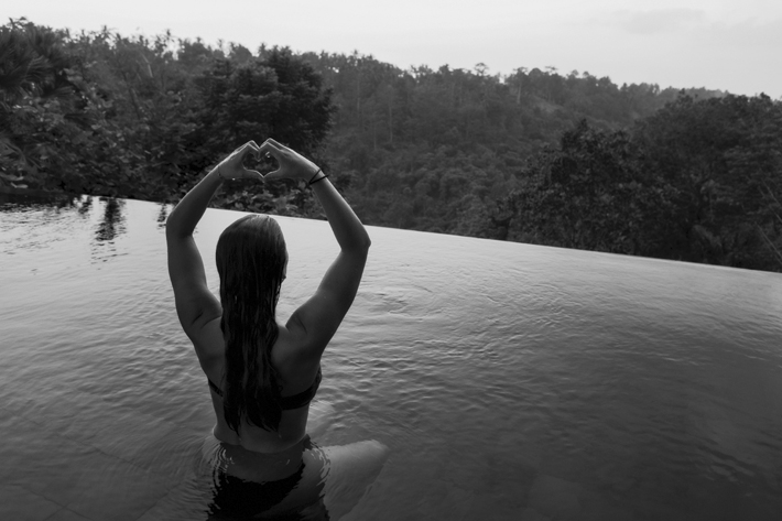How to Love Yourself - The Good Morning Goddess Ritual of Self-Love - Source Photo by Jon Flobrant via Unsplash - yoga rituals - morning yoga routines - morning routines - unleash your inner goddess