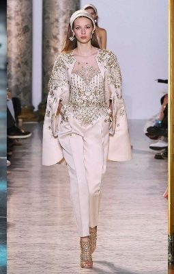 How to Style a Jumpsuit - Roberto Cavalli Fall 2015 Ready-to-Wear - Model Astrid Holler - Source Yannis Vlamos, Indigitalimages.com via Vogue - Elie Saab Alta Costura Primavera Verano 2017 - How to Style a Jumpsuit - Source ImaxTree via Elle - Roberto Cavalli Fall 2017 Read-to-Wear - Source Vogue