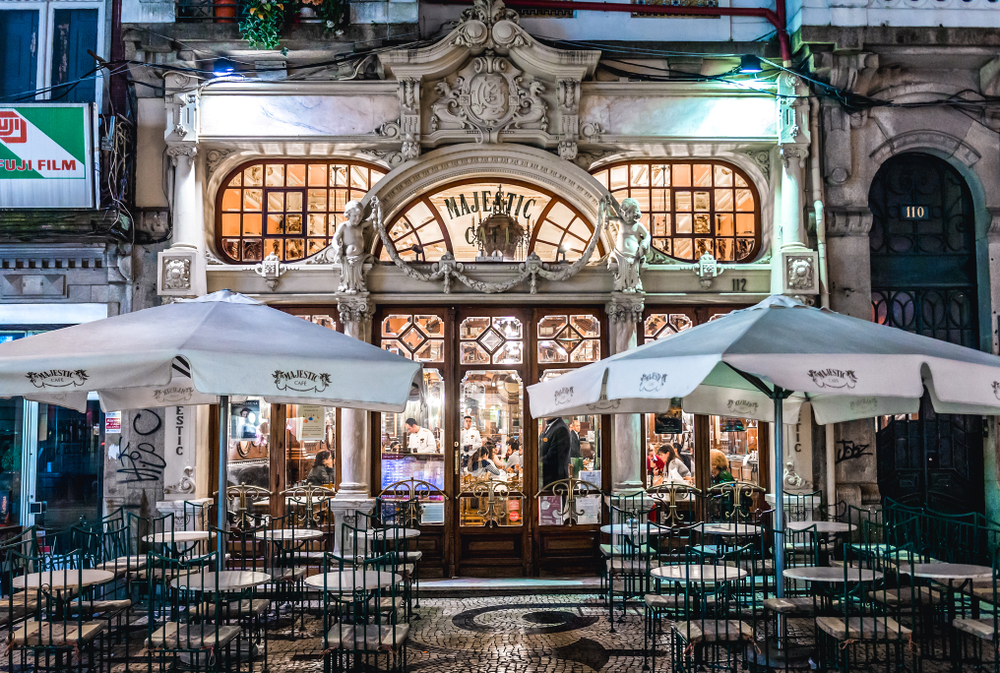 Majestic Cafe Porto Portugal - Design Lovers Guide to Portugal - Things to Do In Portugal for Architecture, Art & Design Lovers - most beautiful restaurants in portugal - best cafes in portugal - best cafes in porto - beautiful places to eat in portugal