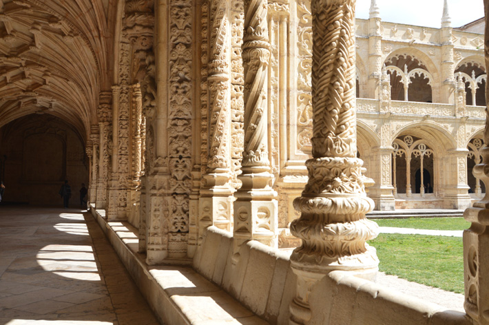 Mosteiro dos Jeronimos - Design Lovers Guide to Portugal - Things to Do In Portugal for Architecture, Art & Design Lovers - most beautiful places in portugal - most beautiful buildings in portugal - architecture in portugal