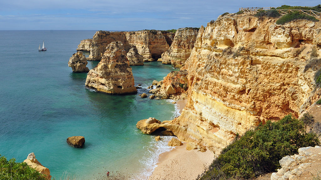 Praia da Marinha - Design Lovers Guide to Portugal - Things to Do In Portugal for Architecture, Art & Design Lovers - best beaches in portugal - most beautiful beaches in portugal - algarve beaches