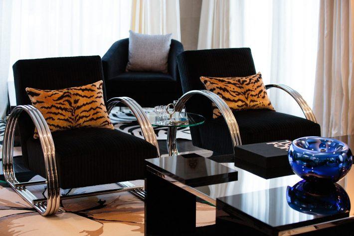 Carrie Livingston, Interior Design, Luxury Homes, Interiors, chic interiors - living room designs - living room design ideas - top interior designers in la