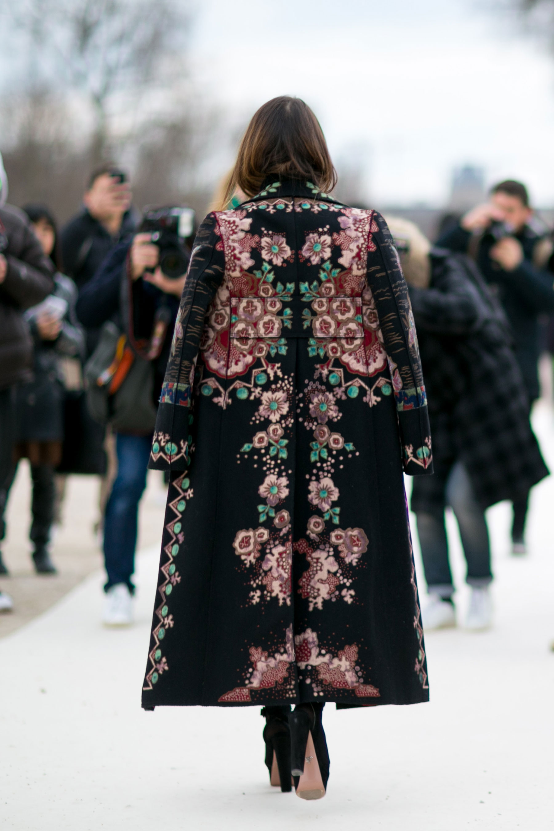 How to Dress to Impress When Traveling the World - paris-str-rf16-8490 - Posh Brazilian - statement coats - travel outfit ideas - beautiful coats - pfw street style 2016