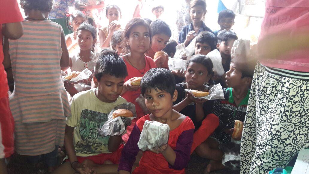 Sam Golchha - Kids in Delhi - Cloud9 Design - hunger in india - feeding children in india