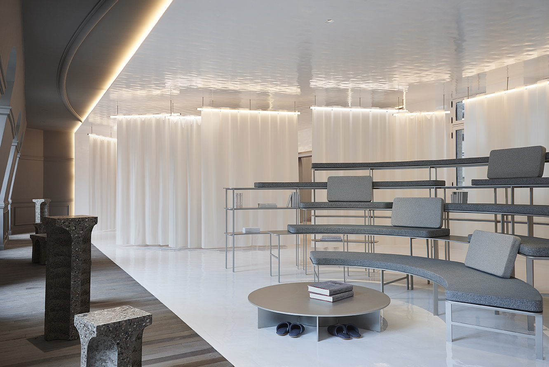 AD Interieurs 2018 - The Prospective Office by Ramy Fischler - Photo by Claire Israël via AD France - Paris Design Week 2018 - architectural digest france - compagnie de phalsbourg - hotel de la bucherie - office designs