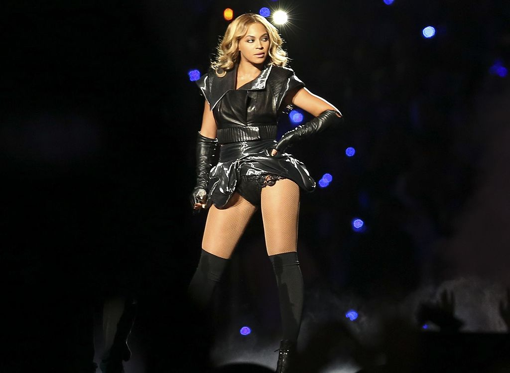 Beyoncé at Super Bowl XLVII halftime show - Photo by Pete Sekesan via Wikimedia Commons - women empowerment songs - empowering songs - feminist songs - girl power - women empowering women - girl boss