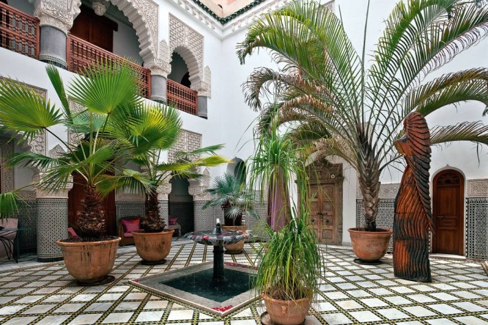 Garden with moroccan interior design