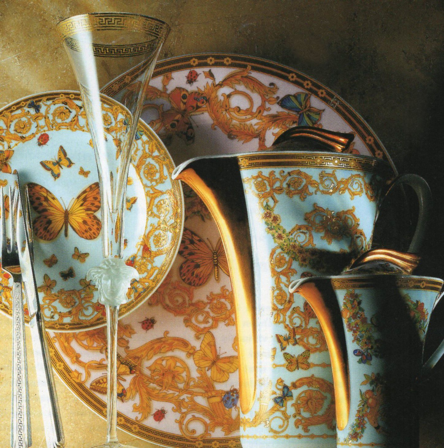 Versace Le Jardin Luxury Dinnerware - luxury dinnerware - luxury tableware - luxury table setting ideas