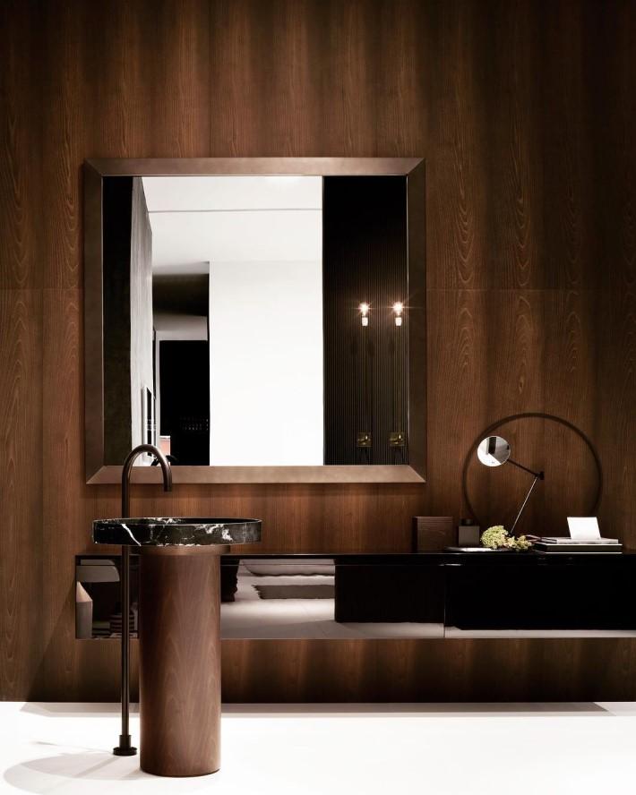 dark bathroom luxury