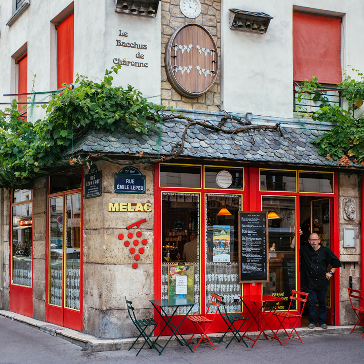 Photograph of the facade of Bistrot Melac for Paris Re-Tale Project by Sebastian Erras