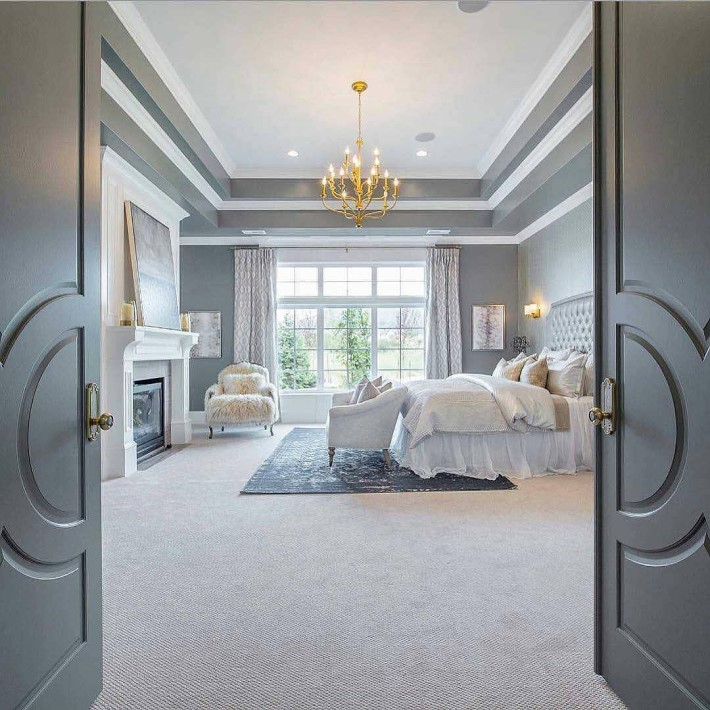entrance of a luxury bedroom
