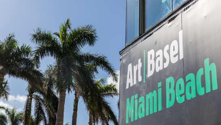 Sign for Art Basel Miami 2018 - Design Miami 2018 - Art Basel Miami Beach